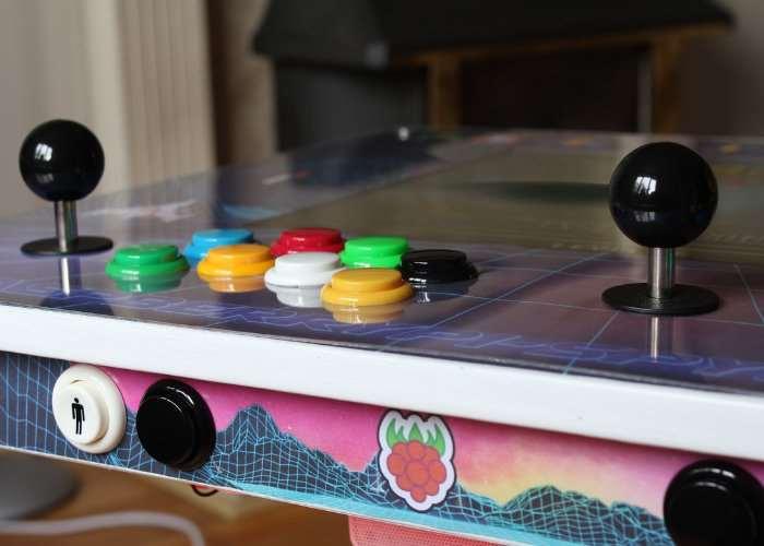 Raspberry Pi RetroPie IKEA Arcade Table