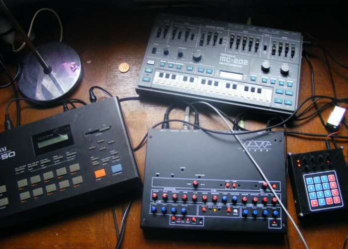 WaveG Monophonic Analog Synthesiser
