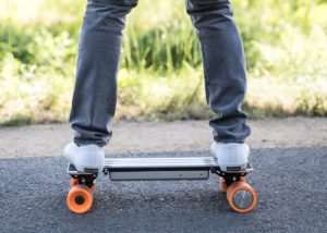 i-Ride Compact Electric Skateboard Is Small Enough To Fit In Your Backpack (video)