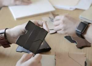 P01 Pioneer Bifold Wallet And Pen Raises Over $100,000 On Kickstarter