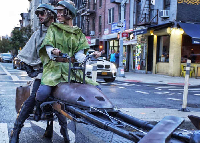 Star Wars Speeder Takes To The Streets Of New York For Halloween 2017