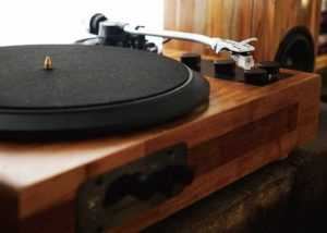 Multi-Functional Wooden Turntable Hits Kickstarter