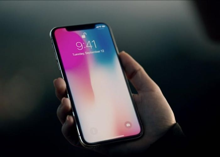 Apple projects record holiday sales on iphone X demand
