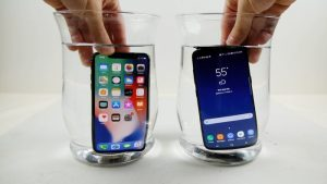iPhone X vs Samsung Galaxy S8 Extreme Freeze Test (Video)