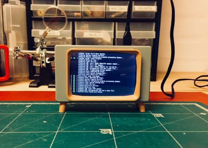 Retro TV Raspberry Pi Touchscreen Case