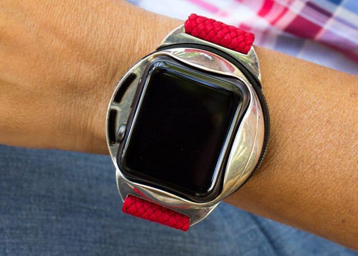Shell Smartwatch Transforms Into A Smartphone