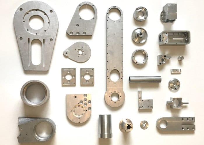 AR2 Aluminium 6 Axis Robot Arm Hits Kickstarter