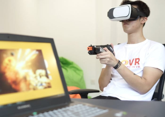 CLOVR Lets You Play Any Game In Virtual Reality