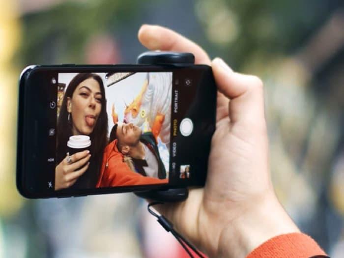 ShutterGrip Smartphone Camera Controller