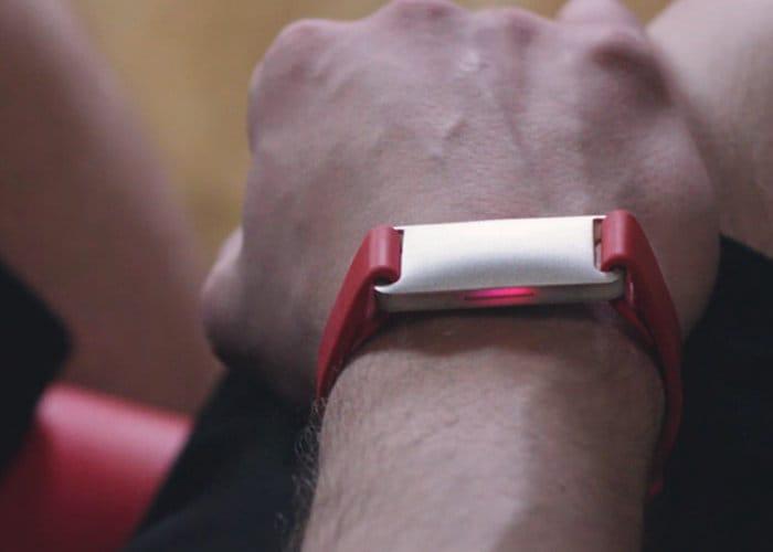 AURA Band Fitness Tracker Returns To Kickstarter