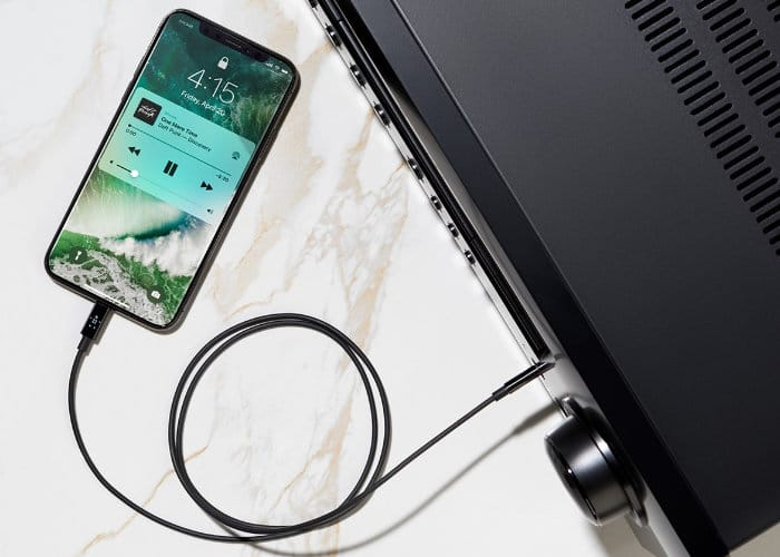 New Belkin 3.5mm To Lightning Cabl