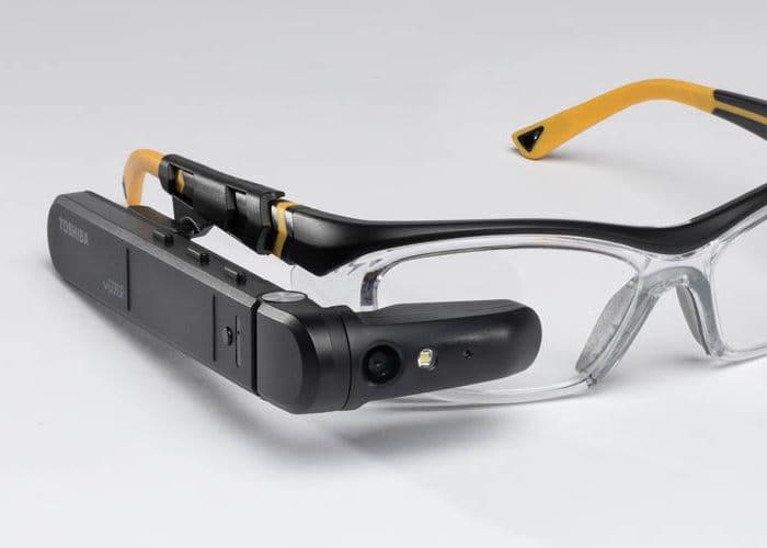 Toshiba dynaEdge AR Smart Glasses