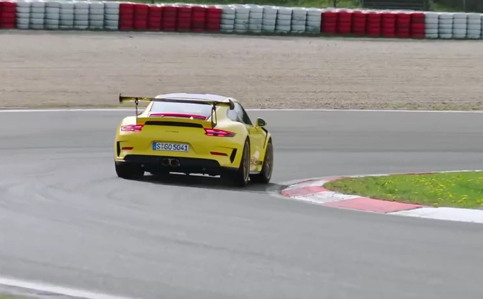 porsche 911 gt3 rs goes for a spin at the n rburgring grand prix circuit video geeky gadgets. Black Bedroom Furniture Sets. Home Design Ideas