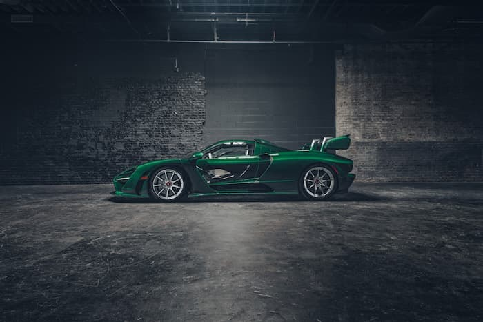 one off mclaren senna in emerald green looks amazing geeky gadgets. Black Bedroom Furniture Sets. Home Design Ideas