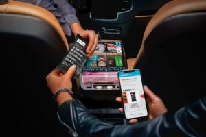 Uber Drivers Can Now Sell You Snacks