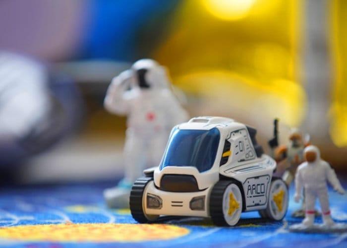 ARCO Toy robot