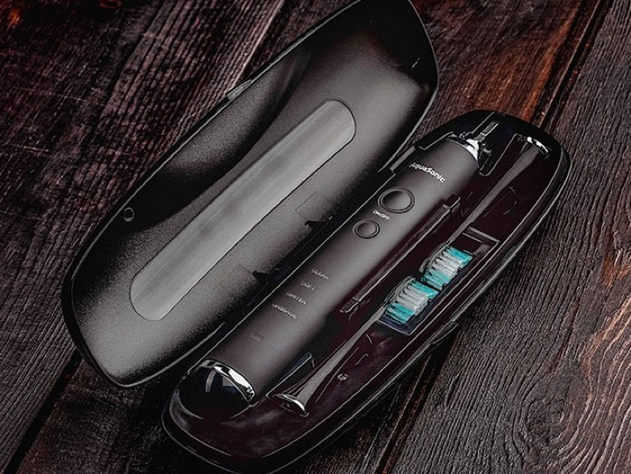 AquaSonic Black Series Toothbrush & Travel Case