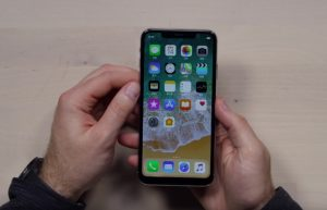 Fake iPhone XS Max Gets Unboxed (Video)