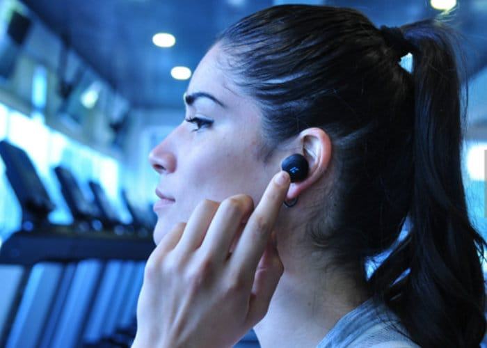 K Sport Headphones with integrated personal trainer