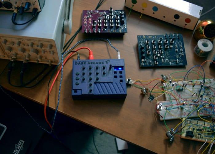 Dark Arcade paraphonic synthesizer module