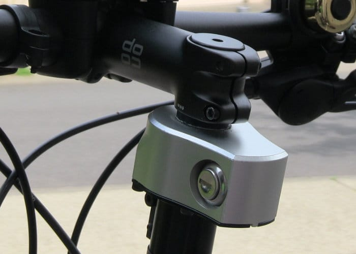 Quick Stop bike lock disables your handlebars
