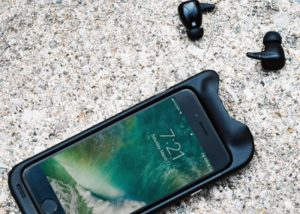 SoundFlow smartphone wireless earbuds and battery pack