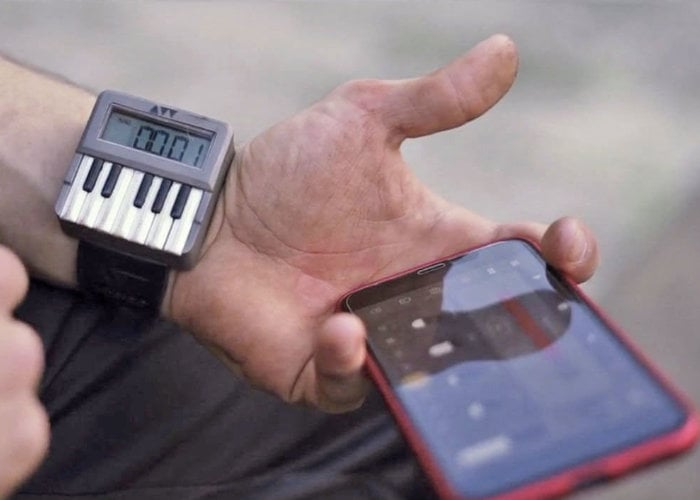 synthesizer watch