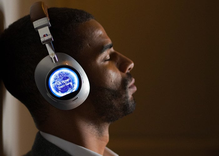 Debussy smart headphones