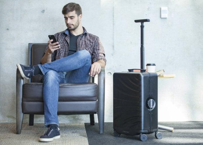 Rover Speed AI robotic suitcase
