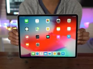 New 12.9 inch iPad Pro gets reviewed (Video)
