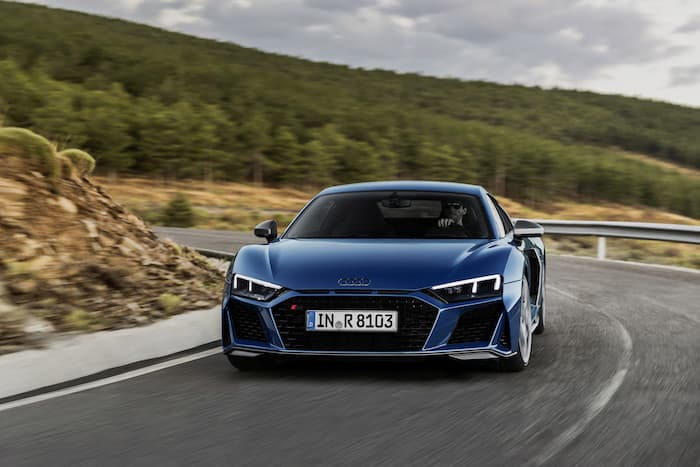 The new Audi R8 hits the track (Video)