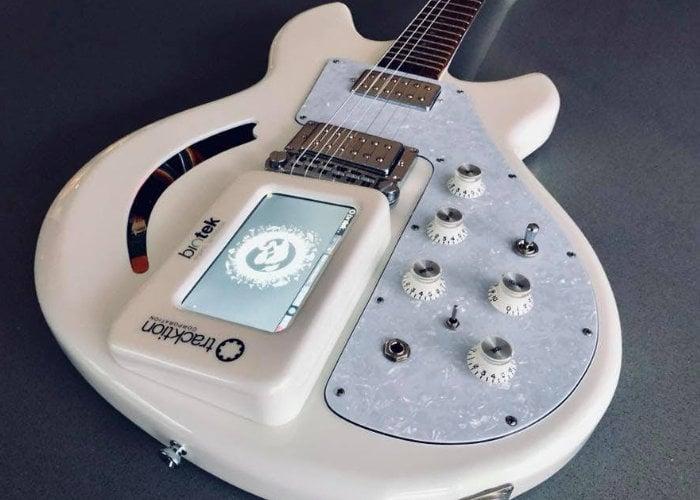 Raspberry Pi Guitar and BioTek 2 synthesizer