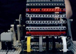 LEGO project inspired by Leonardo Da Vinci's Tamburo Meccanico