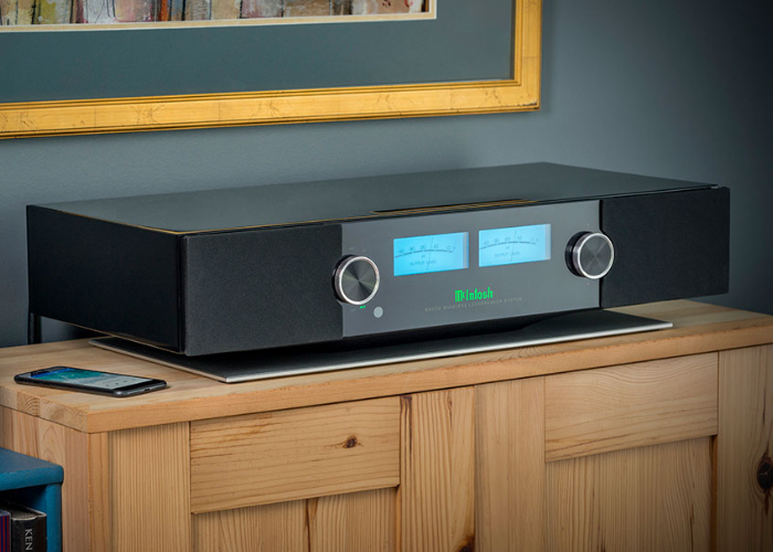 McIntosh Labs RS200 wireless speaker system
