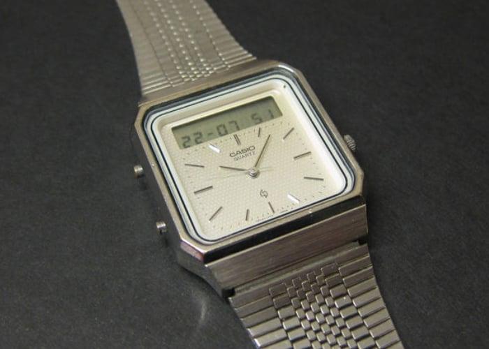 Retro Casio AT-550 touchscreen calculator watch