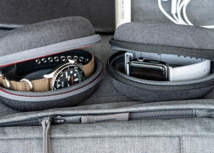 Vario Watch Pod travel watch case hits Kickstarter