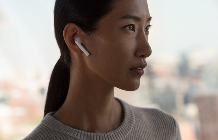 AirPods 2 and AirPower