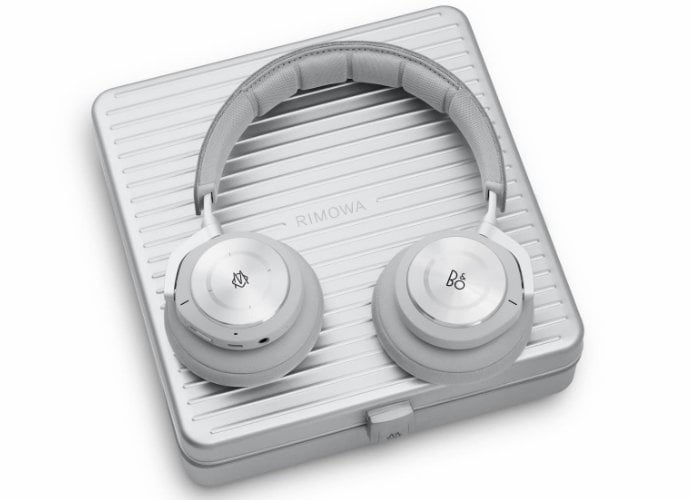 Rimowa B&O Beoplay H9i headphones