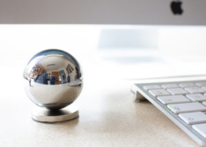 Bobbler desktop fidget toy