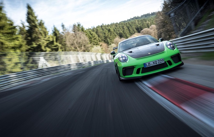 Porsche 911 GT3 RS hits the Michelin Raceway Road Atlanta (Video)