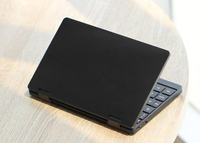One Mix 3 mini laptop
