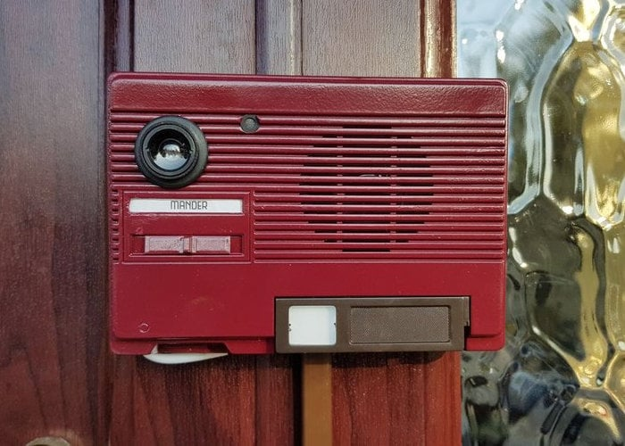 Raspberry Pi video doorbell retro style - Geeky Gadgets
