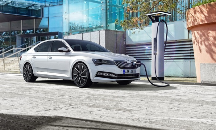 New Skoda Superb with plug in hybrid announced