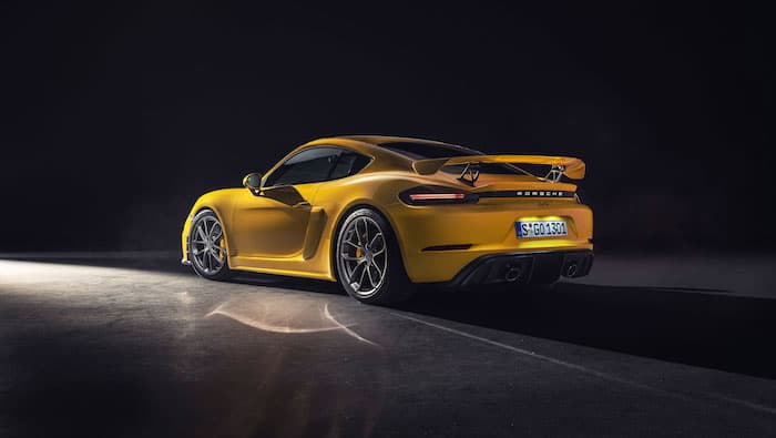 This is the new Porsche 718 Cayman GT4 (Video)