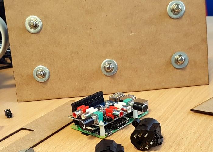 Raspberry Pi stomp box