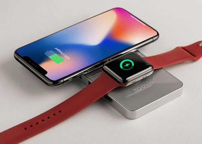 TOOYN wireless charger and USB-C hub