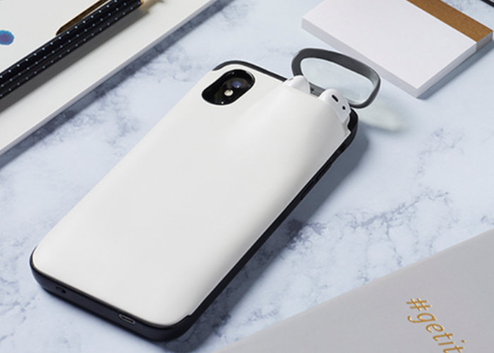 AirPods and iPhone combination charging case