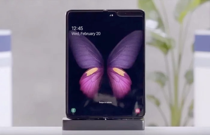 Samsung Galaxy Fold to launch in time for holiday season
