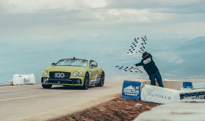 Video from inside the Bentley Continental GT at Pikes Peak