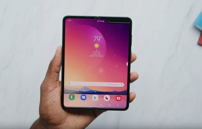 New Samsung Galaxy Fold hands on video
